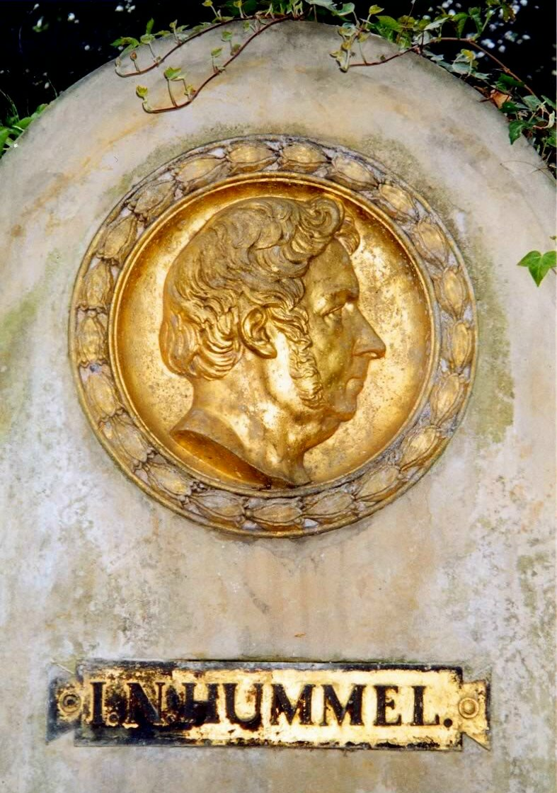 홈멜은 당대의 베토벤과 겨눌만한 실력의 소유자이었습니다.